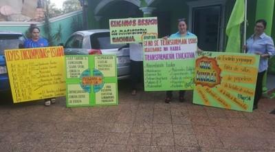 Docentes protestan en todo el país