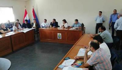 Junta Departamental da «estirón de oreja» a Edgar López