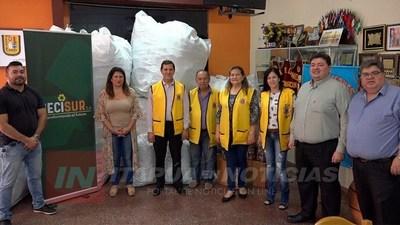 FUNDACIÓN LAZOS DEL SUR RECIBE APORTE DEL CLUB DE LEONES.