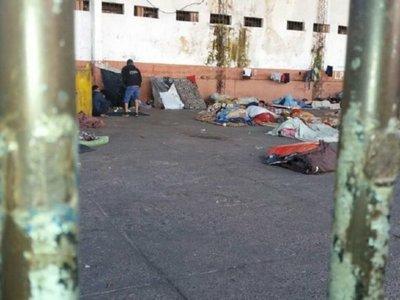 Dos reos de Tacumbú murieron apuñalados
