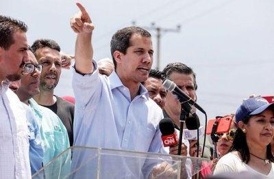 Guaidó llama a protestar por la crisis durante visita de Bachelet a Venezuela