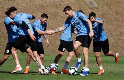 Uruguay ultima detalles para su debut con todas sus estrellas disponibles