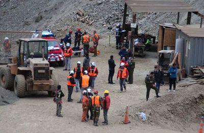 Chile: rescatan con vida a uno de los mineros atrapados y a otro fallecido