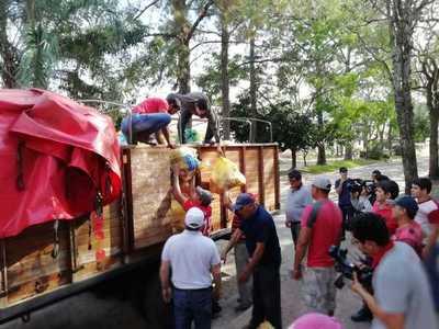 Entregan más de 35.000 kilos de alimentos a damnificados de Ñeembucú