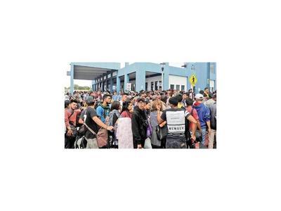 Más de 9.000 venezolanos entraron a Perú en el último día sin  visa