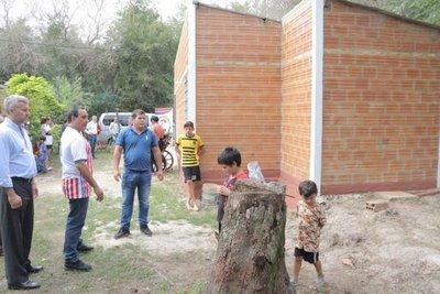 Ayudan a un hombre de la tercera edad que vivía en condiciones inhumanas