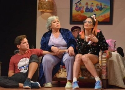 Sigue Agua Clara En El Teatro Latino Y Se Agrega Una Función