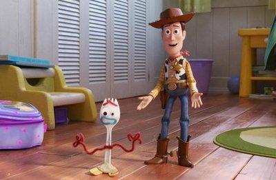 """Woody, Buzz y... un tenedor de plástico: la pandilla de """"Toy Story"""" crece"""