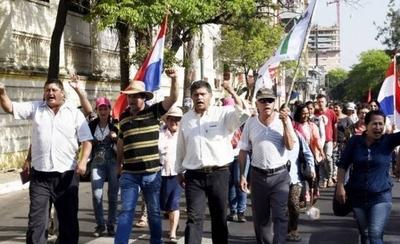 HOY / Campesinos anuncian movilizaciones y llegan con donaciones para damnificados