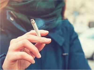 Ministerio de Salud prohíbe fumar en todos sus establecimientos