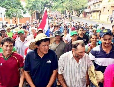 Campesinos regresan desde hoy a la capital