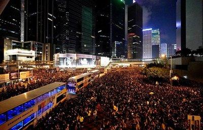 Hong Kong se moviliza en defensa de libertades