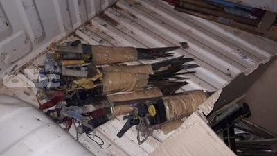 Requisan gran cantidad de armas blancas en penitenciaría de San Pedro