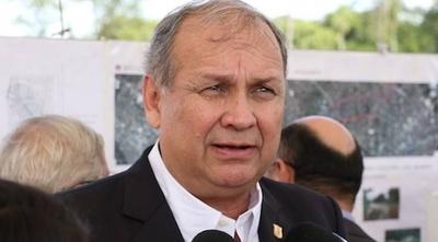 HOY / #AsuCasaFerreiro: juntan firmas para pedir renuncia del intendente de Asunción
