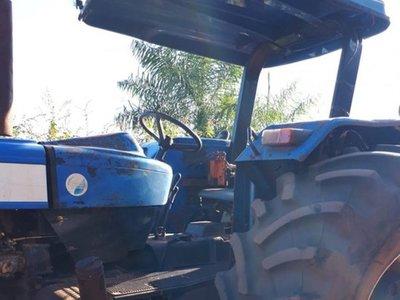 Mujer murió aplastada por un tractor al trabarse su ropa por la rueda