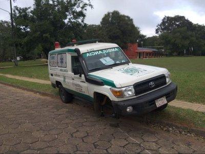 Ambulancia perdió una rueda cuando iba a trasladar a un paciente