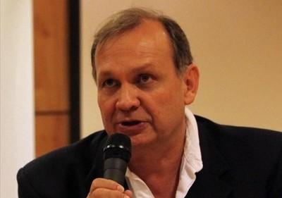 Concejal dice que siguen aumentando las firmas para exigir renuncia de Ferreiro