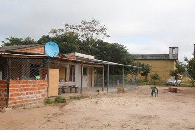 HALLAN UNIFORMES POLICIALES Y MUNICIONES EN GRANJA CÁRCEL DE SAN PEDRO