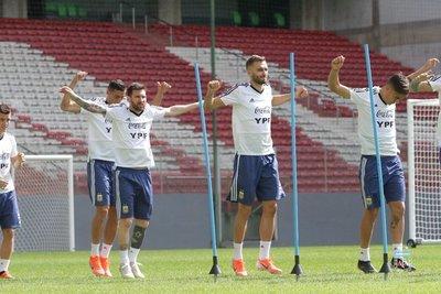 Argentina sufre bajas antes de enfrentar a Paraguay