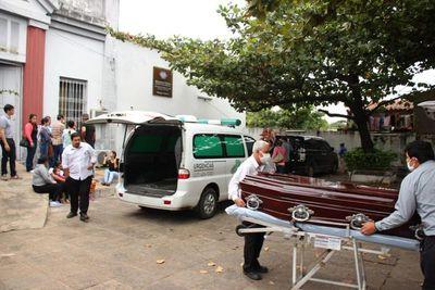 Faltan identificar dos cuerpos de internos en motín de San Pedro