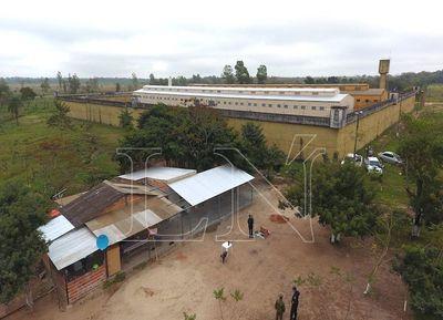 """Reos vivían en una """"granja VIP"""" detrás del penal de San Pedro"""