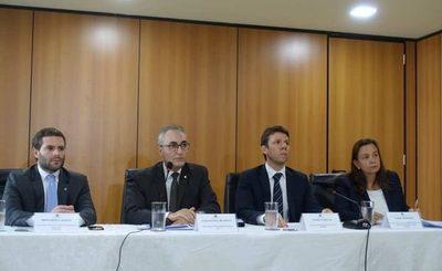 Brasil revocó el refugio político a Arrom y Martí