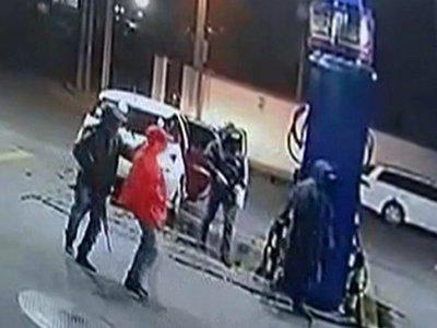 Hombres armados asaltan una estación de servicio en Accesor Sur