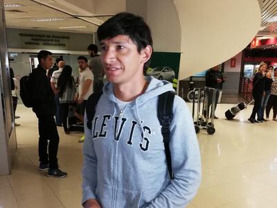 Roberto Ovelar llega para firmar por Olimpia
