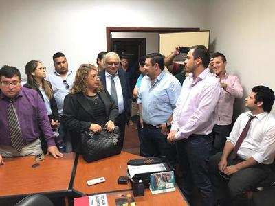 Presentan denuncia por exacción contra exintendenta y 12 exconcejales