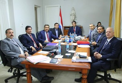 Terna para ministro de Corte fue remitida al Senado