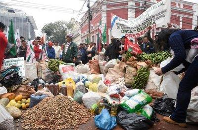Caos vehicular y un amplio despliegue policial en manifestación Intersectorial
