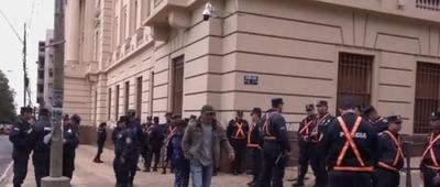 HOY / Varias calles bloqueadas por marcha campesina