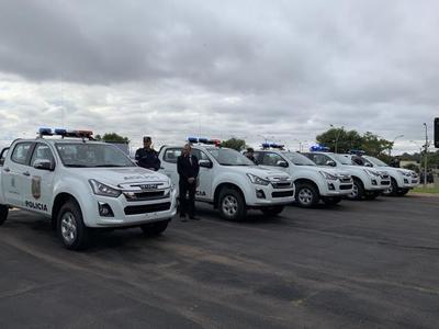 Policía Nacional recibe 11 nuevos patrulleras