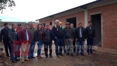 AVANZA CONSTRUCCIÓN DE MODERNA COMISARÍA EN CARONAY