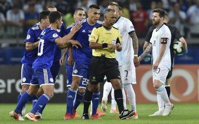Paraguay 1-1 VAR