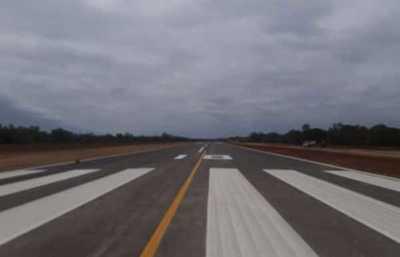 Mandatario inaugura mejoras en el aeródromo de Infante Rivarola