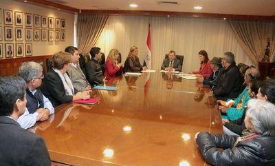 Titular de la Corte dialogó con miembros de la sociedad civil