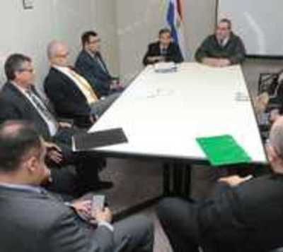 Ministros de la Corte visitan San Pedro tras masacre en cárcel