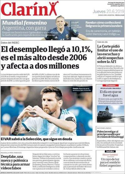 La prensa argentina, durísima: A la Albiceleste 'le salvó el VAR'