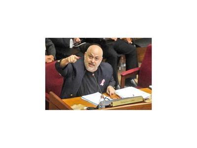 La  Corte da trámite a la acción de Payo contra su suspensión