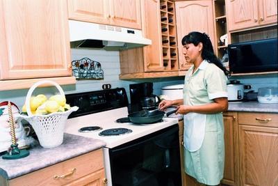 Cámara Baja aprueba pago de salario mínimo a empleadas domésticas