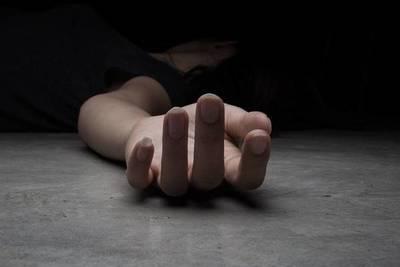 Policía buscado por supuesto feminicidio, sigue libre