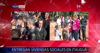 Gobierno entrega viviendas sociales en Itauguá