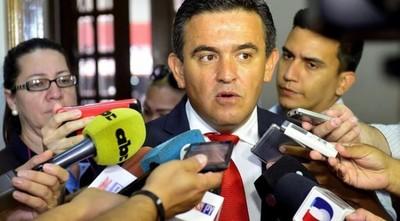 """MEC: Funcionaria que fue """"reubicada"""" denuncia supuesta persecución de Petta"""