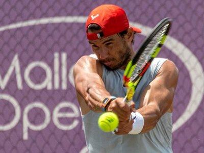 Nadal acelera su puesta a punto para Wimbledon