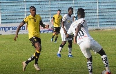 Un club de Ecuador se llena de paraguayos
