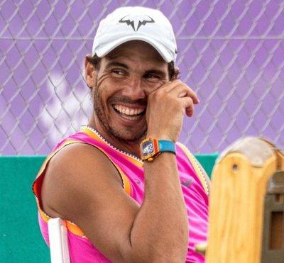 Nadal completa último entrenamiento con vistas a Wimbledon
