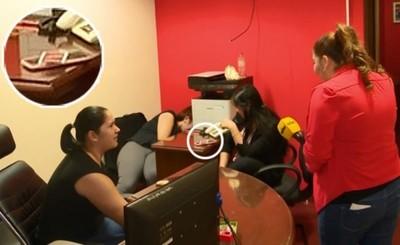 """""""Cartas de despido"""" por jugar """"UNO"""" en oficina de Diputado"""