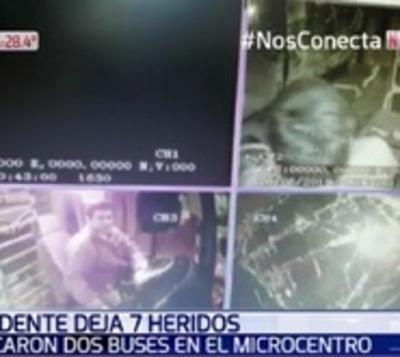 Así fue el choque entre buses en el microcentro de Asunción