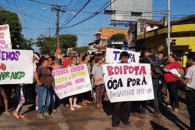 HOY / Jóvenes bañadenses en pie de guerra: Franja Costera es trampa contra pobres, acusan